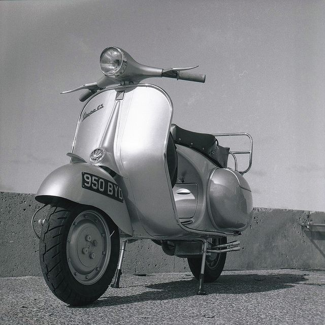 18 best images about vintage motorscooters on pinterest for Puntura vespa cane