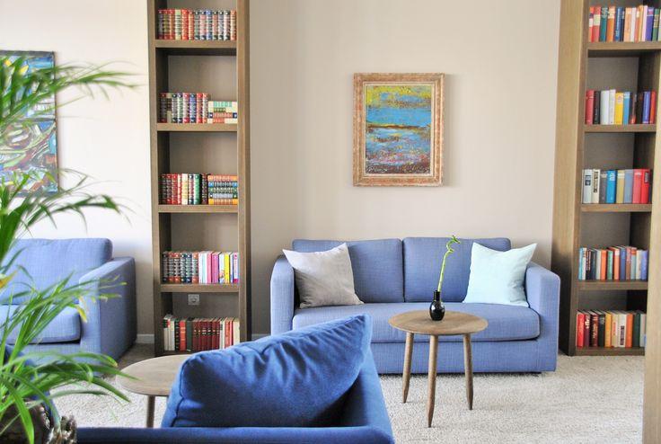 SeeHuus | Design Hotel | Germany | http://lifestylehotels.net/en/seehuus | lobby, library, reading, books, sofa