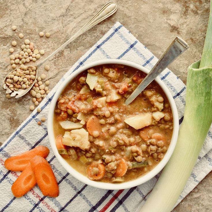 Grönsakssoppa! Receptet finns i meny 17. 😊🌱  www.allaater.se