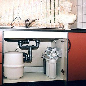Как правильно очистить воду. Какие методы стоит опробовать, а от каких лучше отказаться из-за их сомнительности. Где течет чистая вода. Любая очистка воды