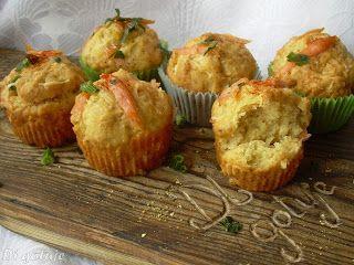 Di gotuje: Muffiny z żółtym serem i wędzonym łososiem