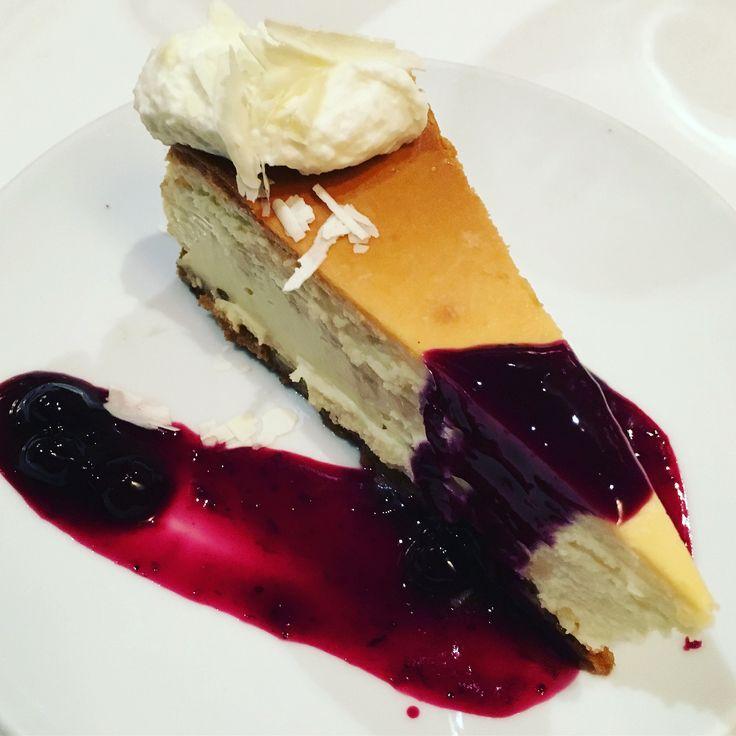 https://flic.kr/p/Ui1qWG | blueberry cheesecake Flemings Steakhouse