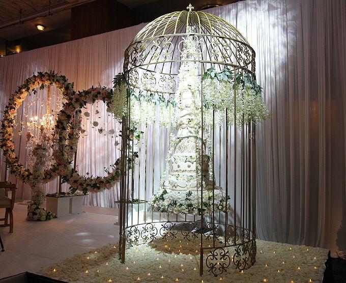 Resultado de imagen para hanging cake chandelier