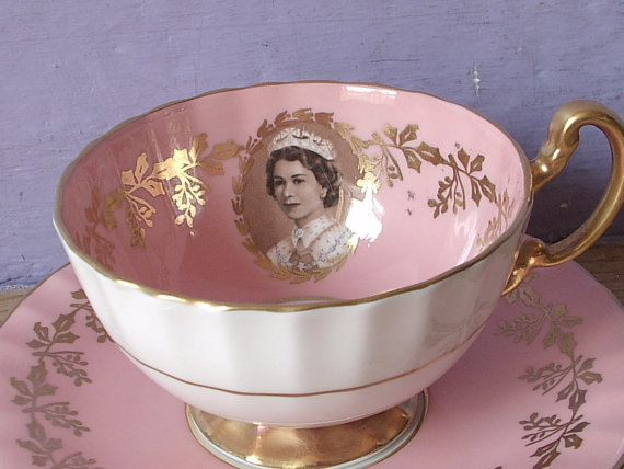 Taza de té Vintage 1950 Aynsley Reina Elizabeth                                                                                                                                                                                 More