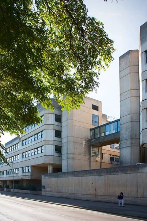 Tinbergen Building Oxford, housing Experimental Psychology and Zoology. architect Sir Leslie Martin, 1970