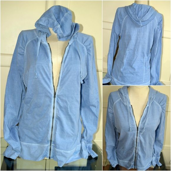 Woolrich light blue women's hoodie, S Medium weight, light blue, women's Woolrich zip up hoodie with ruching at the shoulders, which is a nice, feminine detail. Great quality and in perfect condition. Size S. Woolrich Tops Sweatshirts & Hoodies