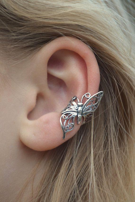Mariposa en vuelo brazalete plata del oído por ChapmanJewelry