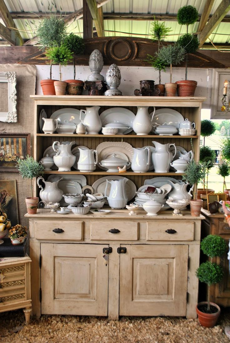 Deciding to head down to the Country Living Fair in Rhinebeck, New York was a relatively last minute decision. My Aunt,Mother-In-Law, ...