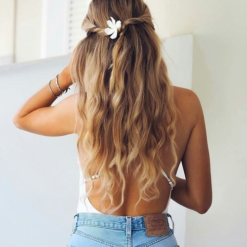 How To Create Perfect Beach Waves Hair Beach Waves Hairstyle Tutorial Beach Wave Hair Waves Hair Tutorial Romantic Braided Hair