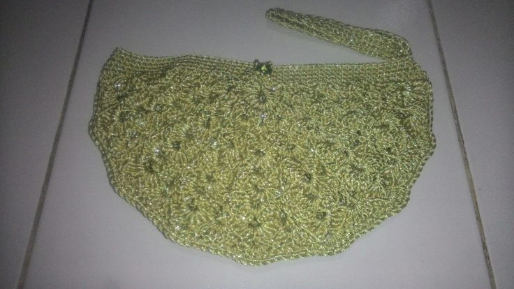 Crochet half clutch