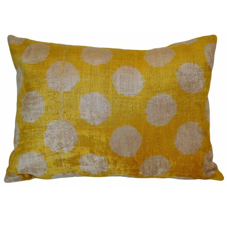 Throw Pillow Fabric Ideas : 1000+ ideas about Ikat Pillows on Pinterest Ikat Fabric, Throw Pillows and Accent Pillows