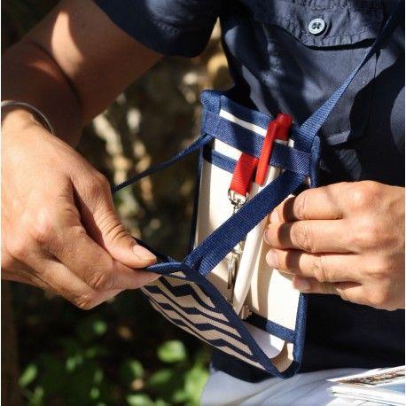 Ti Sac Chevron - [EN] An elegant and unusual travel pouch that can turn into your daily micro-bag too- pattented product. [FR] Une pochette de voyage élégante qui peut vite devenir votre micro-sac de tous les jours - produit breveté - #travel_pouch #pochette_voyage #motif_chevron. More/Plus > https://www.tisac.shop/letisacmarin/9-ti-sac-chevron.html