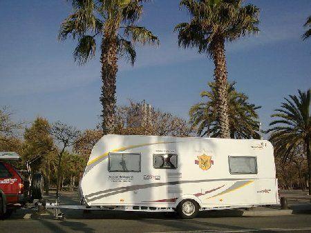 Mit Pferd und Caravan auf der Via Regia quer durch Europa unterwegs. Gefördert von SUNLIGHT und Capron.  #Caravan #Wohnwagen #Caravaning #Reisen #reiten