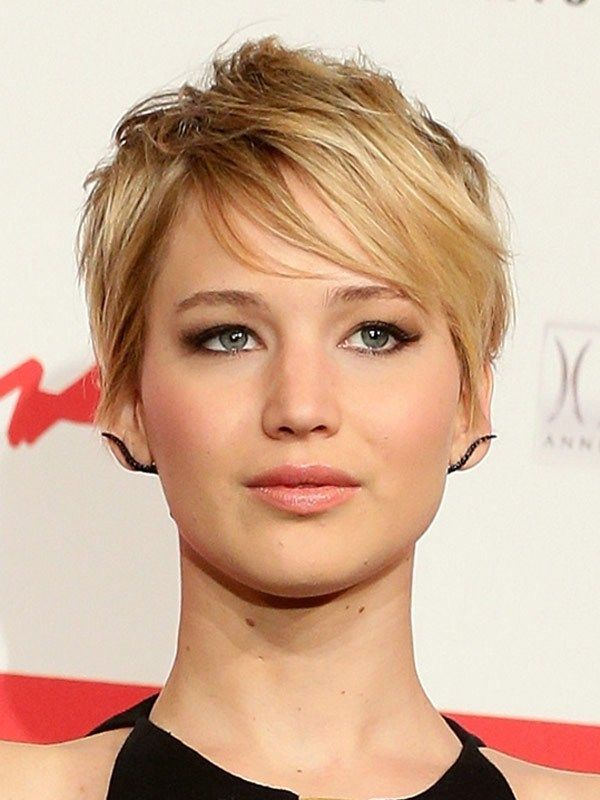 Catching Fire Uk Premiere Pics Brand New Hair