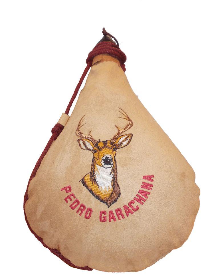 Bota de vino de piel de ternera, interior de latex personalizada con bordado.
