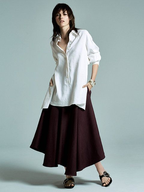 ボトムスをカラーを深めに◎オーバーサイズのシャツのモテコーデ一覧♡トレンド・人気・おすすめのコーデ♪
