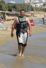 Pe plaja Golden Beach, in Paros. Locul unde am invatat sa fac windsurf. Un loc extraordinar pe care abia astept sa-l revizitez.