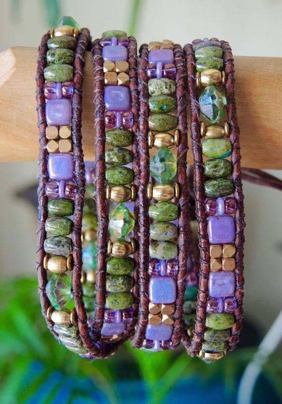MARDI GRAS rustique perlé en cuir Wrap BRACELET/ceinture Boho Wrap Rainforest Jasper Gemstone, vintage bouton de verre tchèque, Bracelets de Blue Ridge