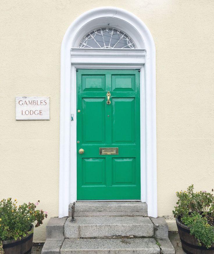 doors of Dublin, green door