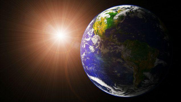 Spotkanie Ziemia - Słońce. Bliżej już się nie dało. http://tvnmeteo.tvn24.pl/informacje-pogoda/ciekawostki,49/spotkanie-ziemia-slonce-blizej-juz-sie-nie-dalo,154162,1,0.html