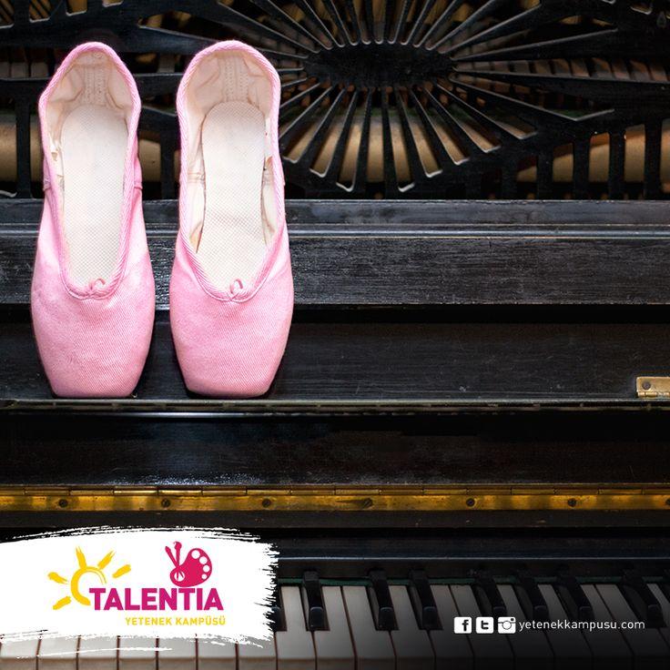 """Dünyaca kabul gören, Rus metodu, """"Vaganova Tekniği"""" ile canlı piyano eşliğinde bale dersleri #Talentia'da! #bedensel ve #zihinsel olarak #özgür formlar sunar. #yetenekkampüsü #Dans #Müzik #yetenek #yeteneklerfora #yetenekkampusu #eğitim #kariyer #gelecek #sosyaldanslar #ArmadaAVM #moderndans #dance #RusMetodu #VaganovaTekniği #bale #baleeğitimi"""