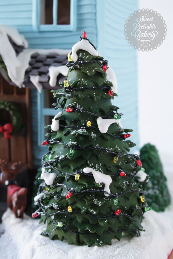This tutorial gives you step by step instructions on how to make a rice cereal Christmas Tree and Shrubs and decorate it with Fondant. It's the perfect tu