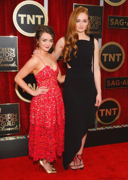 Maisie & Sophie – 21st Annual Screen Actors Guild Awards Red Carpet – Brüno Beauté