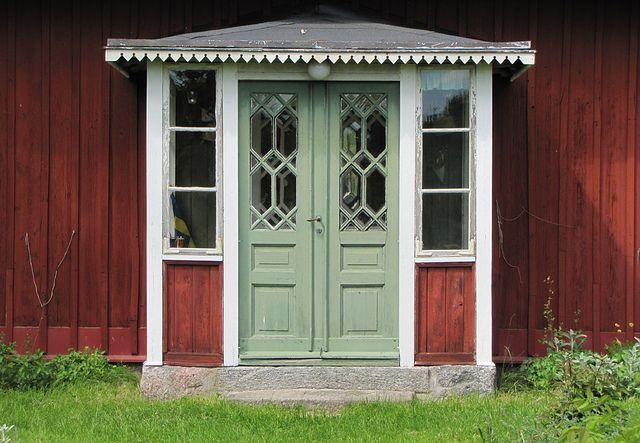 Gamla vackra dörrar 2010-06-05 by Torgil Jarnling, via Flickrv  sökord: +hus +landet