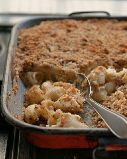 A classic macaroni and cheese recipe, using freshly shredded cheese, pasta & buttered breadcrumbs baked to perfection!