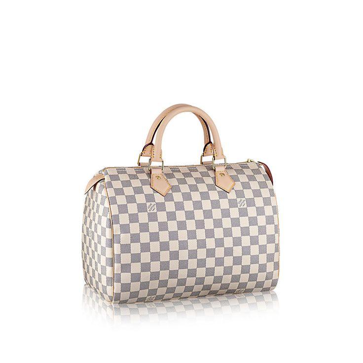 Descubra a Louis Vuitton Speedy 30:  A Speedy possui um design icônico da Louis Vuitton. No chique canvas Monogram, a Speedy imediatamente encanta toda mulher apaixonada por moda. A bolsa perfeita para o dia-a-dia.