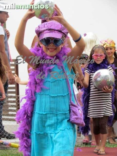 . Las #Fiestas y comuniones infantiles en Madrid, Toledo, Guadalajara y Segovia de minidisco est�n muy de moda, nosotros los preparamos con maquillaje fashion moderno; llevamos accesorios muy divertidos y realizamos un desfile de modas, todo ello amenizado