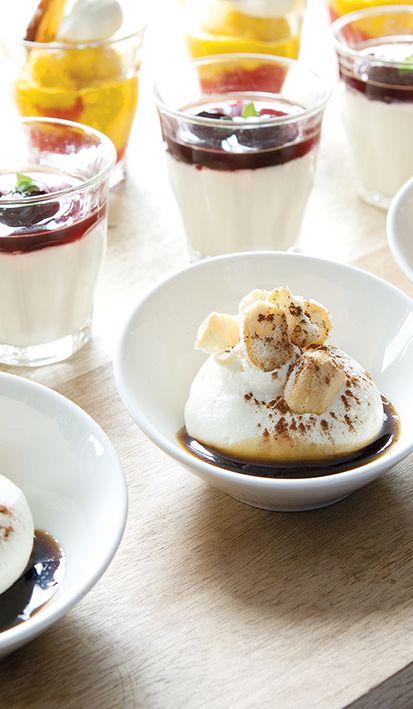 Puur verwennerij: de eigen keuken van Mereveld zorgt voor culinaire desserts tijdens de bruiloft. Kom je dit dessertbuffet proeven? #Mereveld Utrecht in TOP 5 populairste trouwlocaties van Nederland!