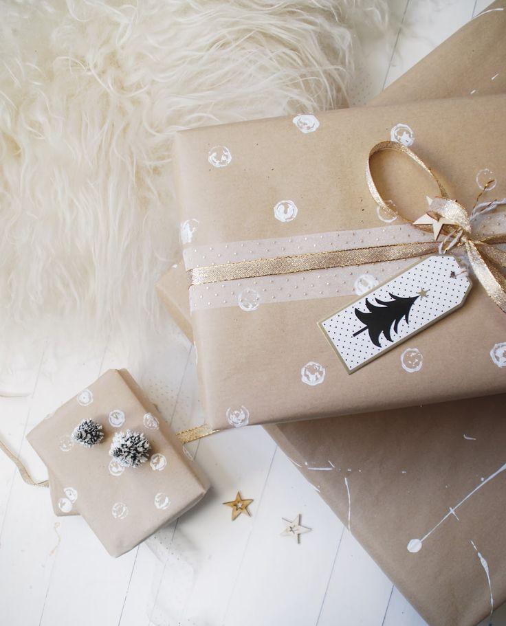 DIY Kerzen, Geschenkidee Freundin, Geschenke verpacken, Geschenkpapier bestempeln, weihnachten diy, weihnachten basteln, blog, dekoblog, wohnblog, stilreich blog, blume 200, blume 2000 weihnachten