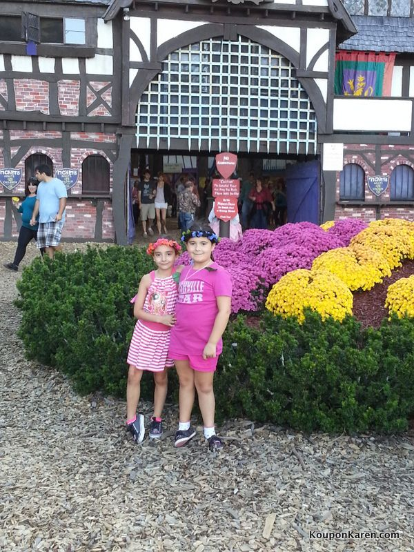 If you live in New England, I'm sure you've heard of or seen signs for King Richard's Faire in Carver Massachusetts. I'm embarrassed to say that as I've always known about it, I had never been until recently. My husband mentioned going earlier this fall and I was totally on board because we both knew the girls would enjoy it. And we were right! We had a really fun day.