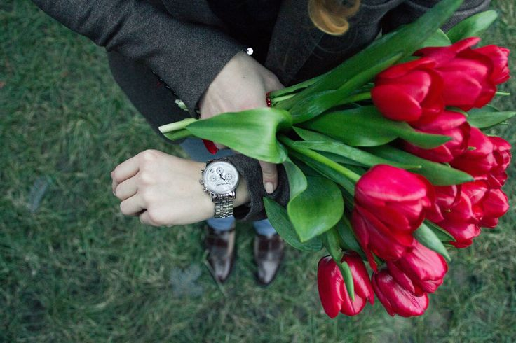 Time for flowers #tulips #red #time #watch #michaelkors