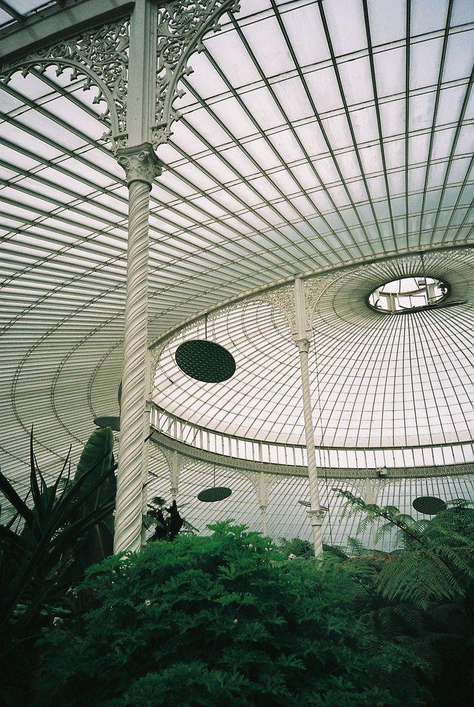 Kibble Palace, Glasgow Botanical Gardens - Photograph by John Bankier /
