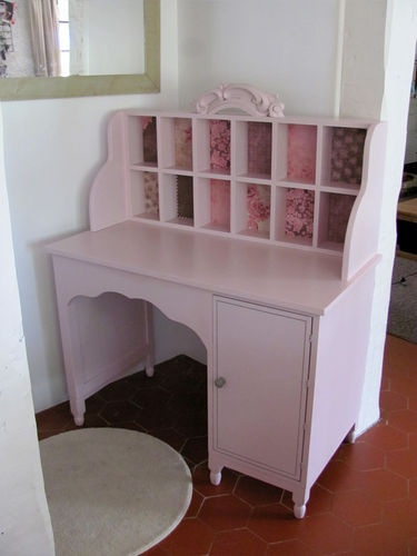 bureau fille avec petits casiers for the home pinterest vanity desk repurpose and kids s. Black Bedroom Furniture Sets. Home Design Ideas