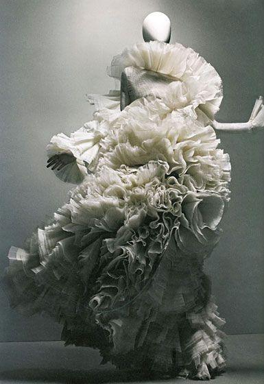 Sculptural Fashion - extravagant dress with 3D sculpted ruffle textures; fashion as art // Alexander McQueen