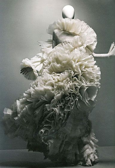 Sculptural Fashion - extravagant dress with 3D sculpted ruffle textures; fashion as art // Alexander McQueen