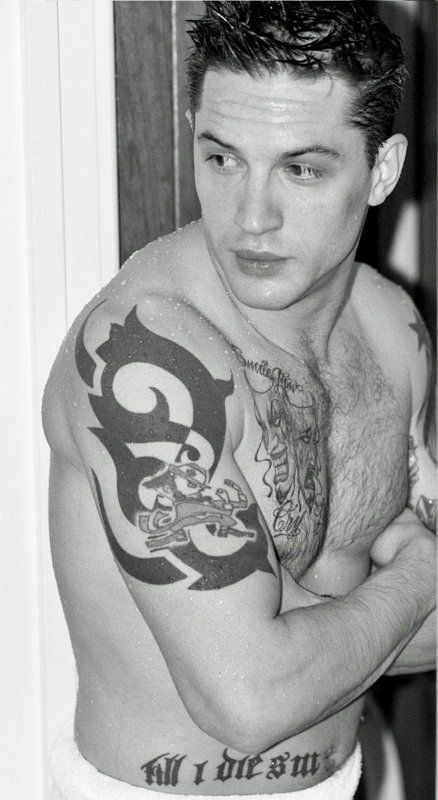 Tom Hardy  Google Image Result for http://images5.fanpop.com/image/photos/31700000/Tom-s-tattoos-tom-hardy-31721222-438-800.jpg