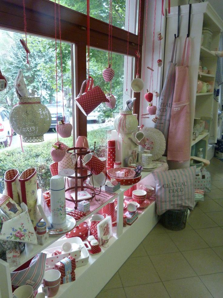 A romantikus lakberendezés webáruháza www.skanditrend.hu +3620/396-6435 2040 Budaörs, Templom tér 7.