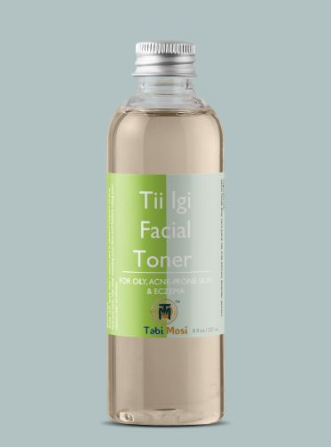 Tii Igi translates to tea tree in the Yoruba language of Nigeria. The Tii Igi Facial Toner is infused with tea tree extract. Tea tree has antimicrobial, anti-inflammatory, and antifungal properties. These properties deeply penetrate the skin to unblock sebaceous glands, disinfect pores, and dry out blemishes. The Tii Igi Facial Toner is formulated for the treatment of oily, acne-prone skin and eczema.