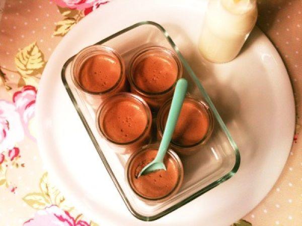 Vasitos de mousse de chocolate