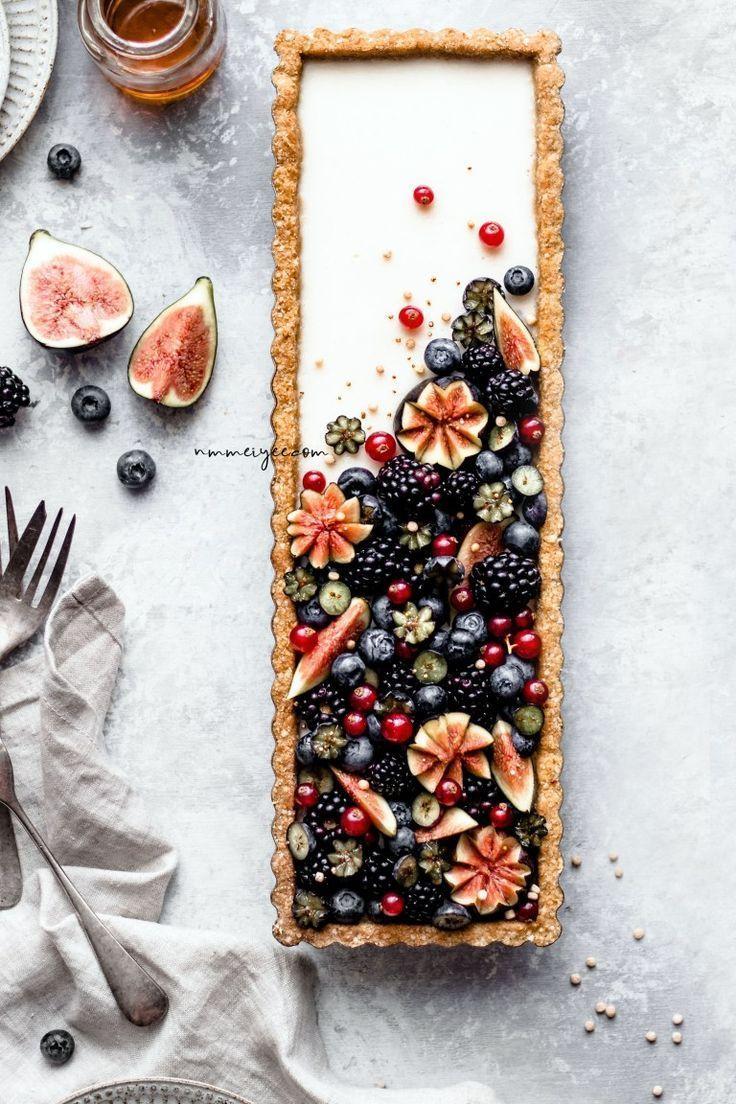 … Vanille-Ahorn-Pudding-Tarte mit Quinoa-Flocken-Mandel-Kruste … #vegan