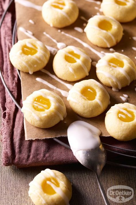 Zitronenküsse: Knetteig-Plätzchen verfeinert mit Lemon Curd -Weihnachtsbäckerei