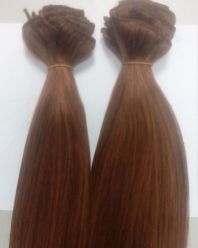 """Dear Divas, many of you have been asking about the difference between the 120gram and the 160gram clip in hair extensions we stock. On the left is the 120gram that sells for R1446 and on the right is the 160gram that sells for R1844-R1900 depending on colour. All our clip in hair extensions are 20""""/50cm in length. Shop online today link in bio! #hairextensions #hair #longhairgoals #hairextensionsspecialist #queenbhairextensions"""