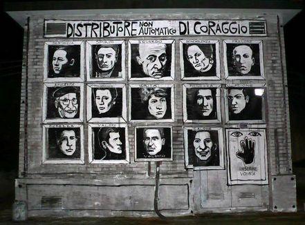 DISTRIBUTORE NON AUTOMATICO DI CORAGGIO – COLLETTIVO FX Cotignola [Piazzale Amendola – via Matteotti]