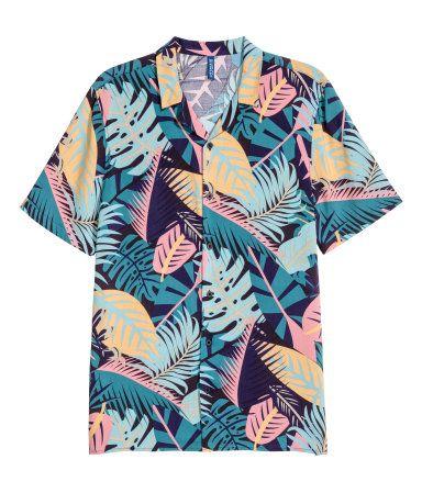 Camisa de manga corta | Azul oscuro/Hoja | Hombre | H&M CO