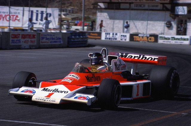 ... Hunt, a bordo de sua McLaren em Long Beach - West USA Grand Prix 1977