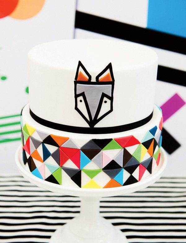 This fun modern geometric cake was lovingly created by Helen of Kiss My Cakes. Source: Hostess With the Mostess